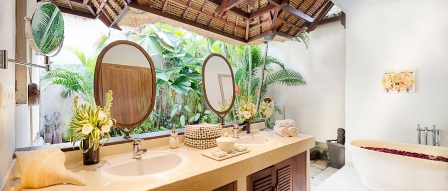 bali-seminyak-villa-kubu-3-bedroom-third-bathroom-v3