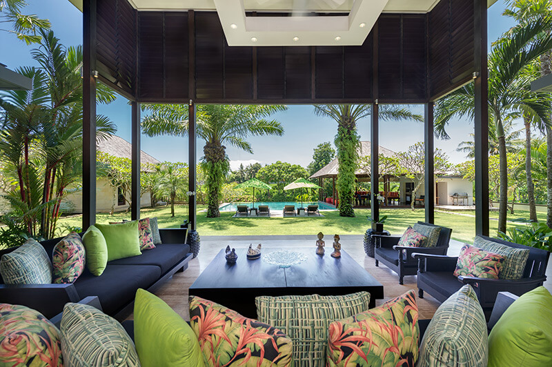 bendega-nui-open-living-area-view-to-pool