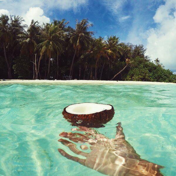 MALDIVES TRAVEL DIARY l by @katgaskin