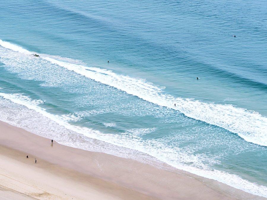 HILTON_SURFERS
