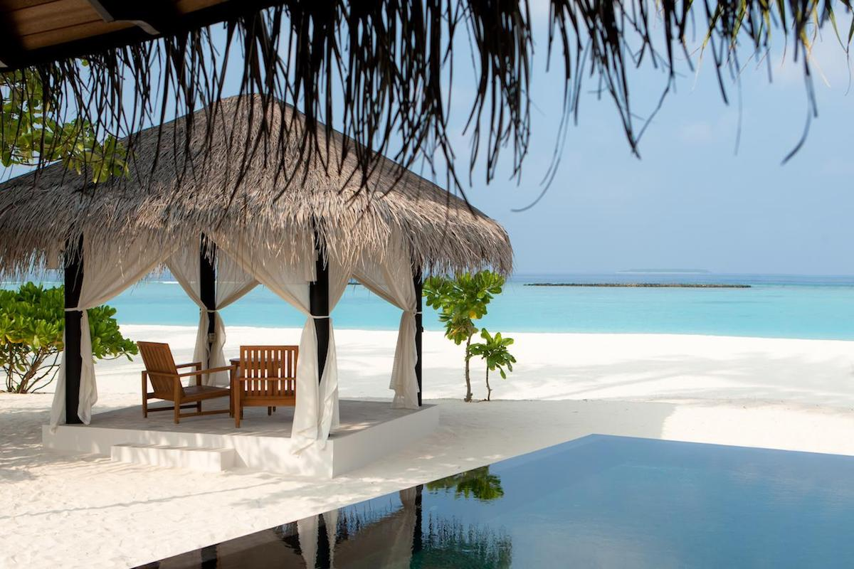 best hotels maldives